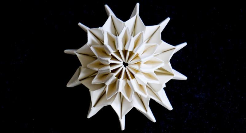 "Workshop "" Action-Origami: Bewegte Papierfaltkunst"""